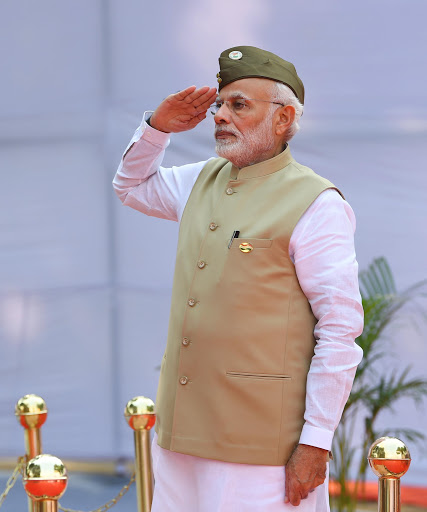 Modi-hoisted-the-tricolor-on-the-Red-Fort-for-the-sixth-time-1