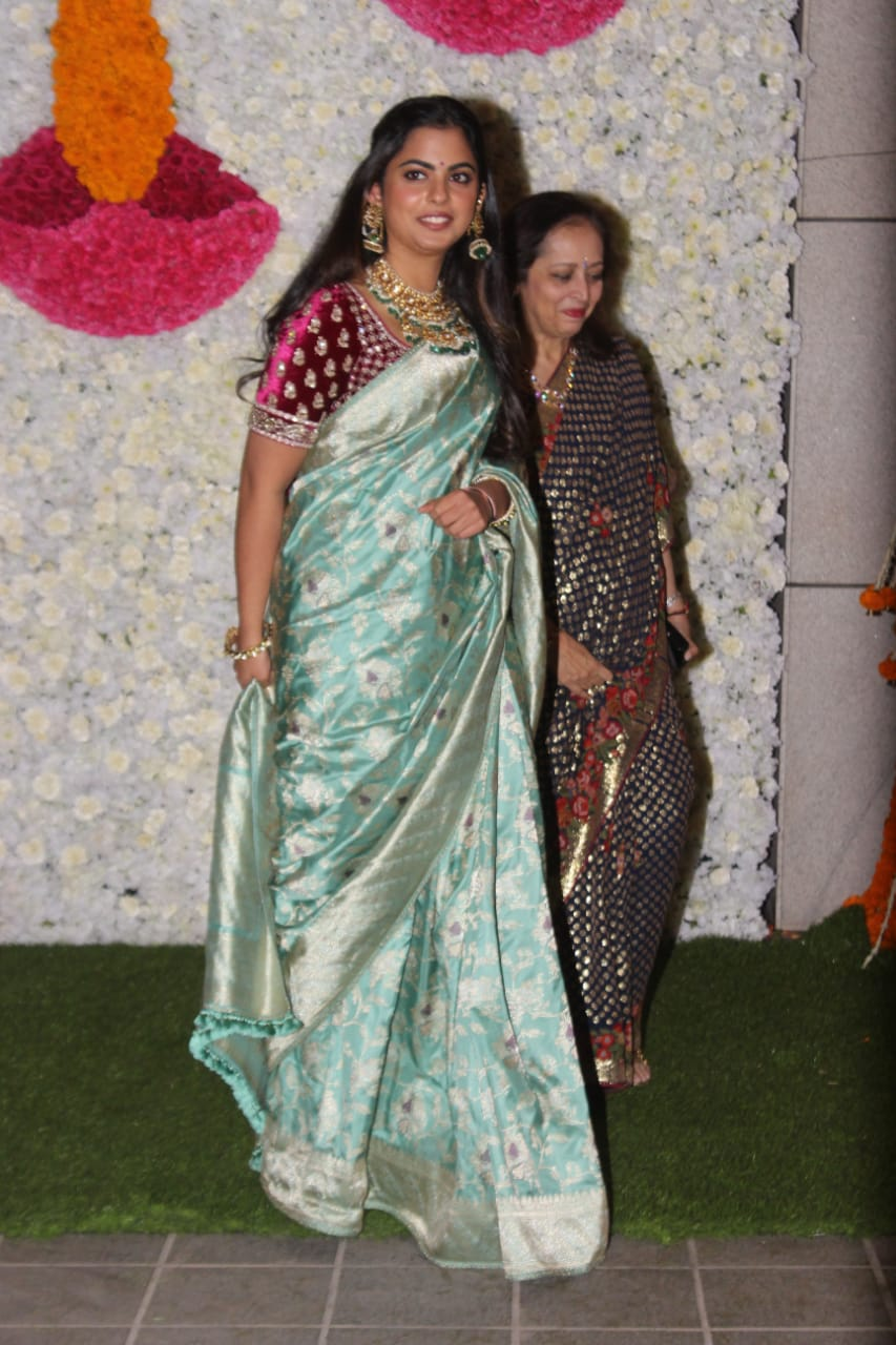 Ambani-family-gave-a-fabulous-party-on-Diwali-2019