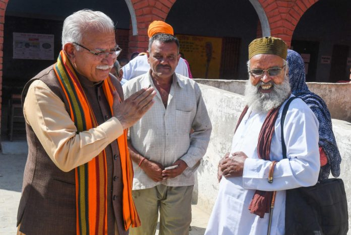 Haryana Khattar will present claim to form government